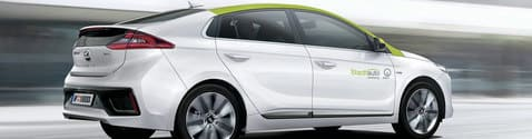 "Hyundai Ioniq Hybrid mit ""Stadtauto"" Branding"